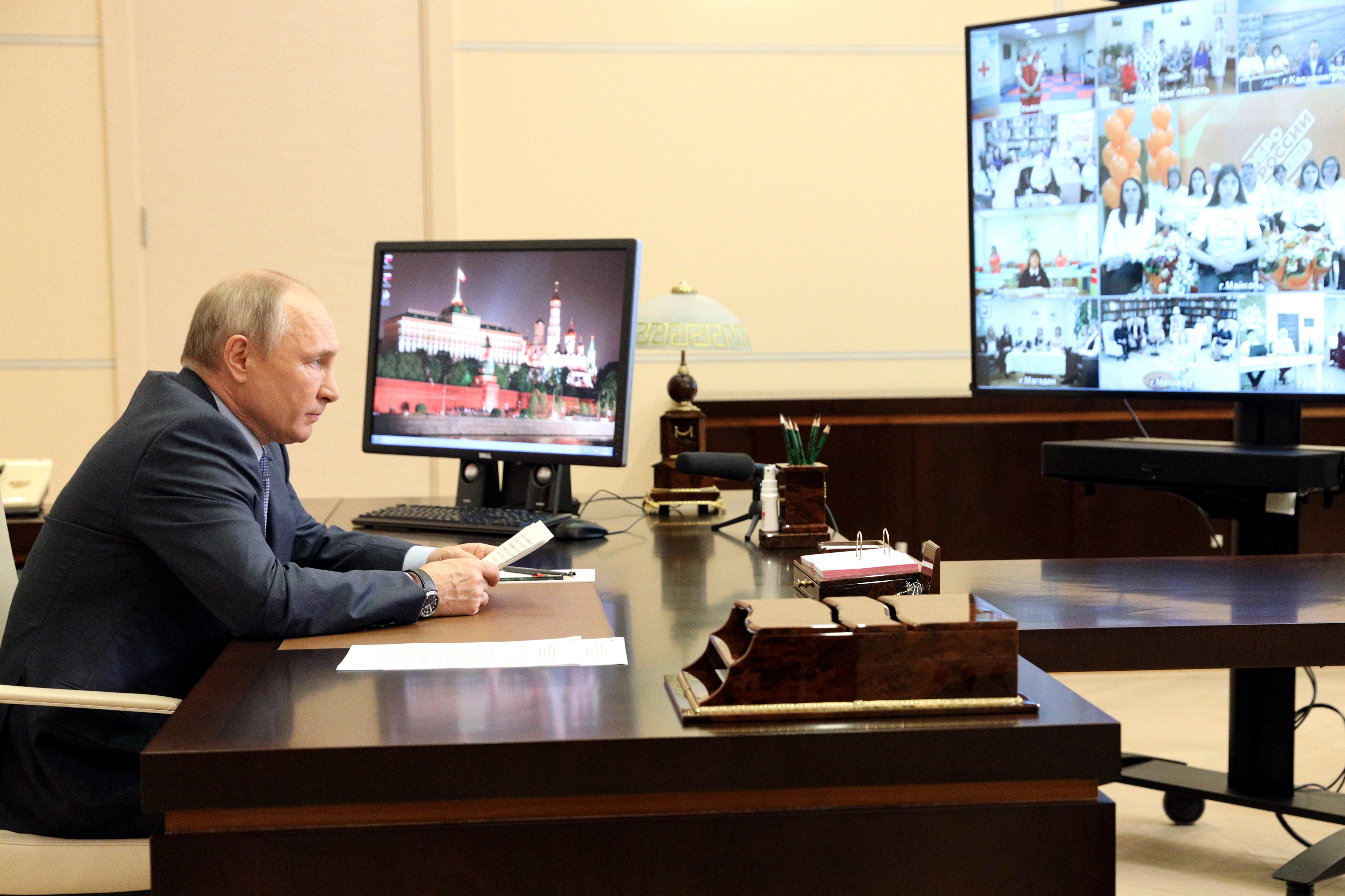 Путин оценил ставропольскую программу по предотвращению социального одиночества