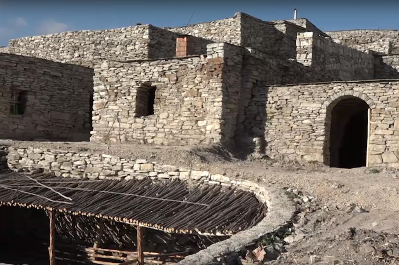 ЧЕЧНЯ. В высокогорном селе Хой в Чечне отреставрировали более 100 древних строений