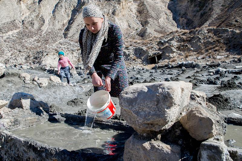 Как в горах Дагестана добывают соль дагестан